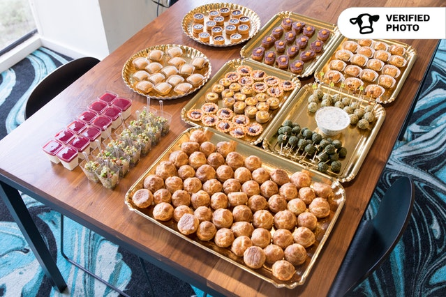 French Hors d'Oeuvres & Gourmet Dessert Bites