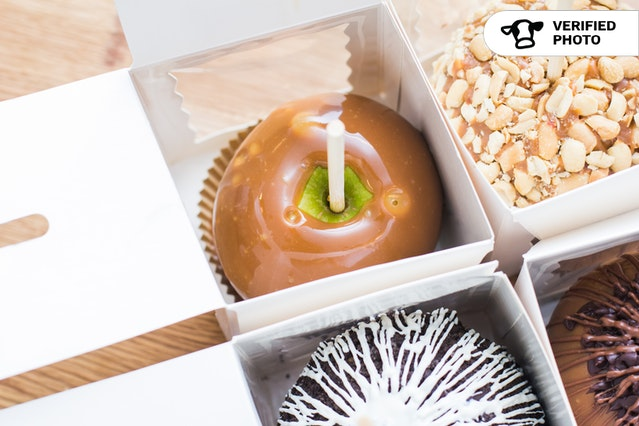 Luxberry's Candy Apples