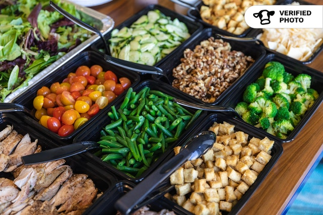 Fresh & Healthy Salad Bar