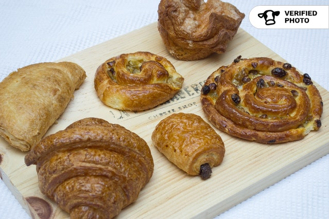 The French Breakfast: Pastries & Fruit